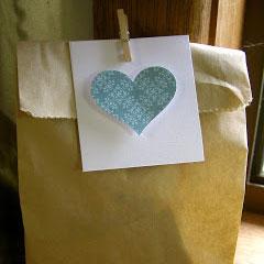 Упаковка из полиэтилена или бумажный пакет?